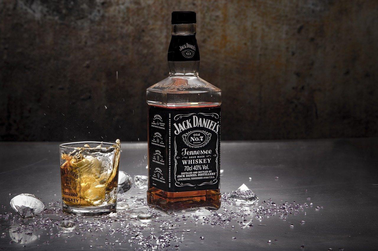 Selber Kirschmarmelade mit Whisky einkochen