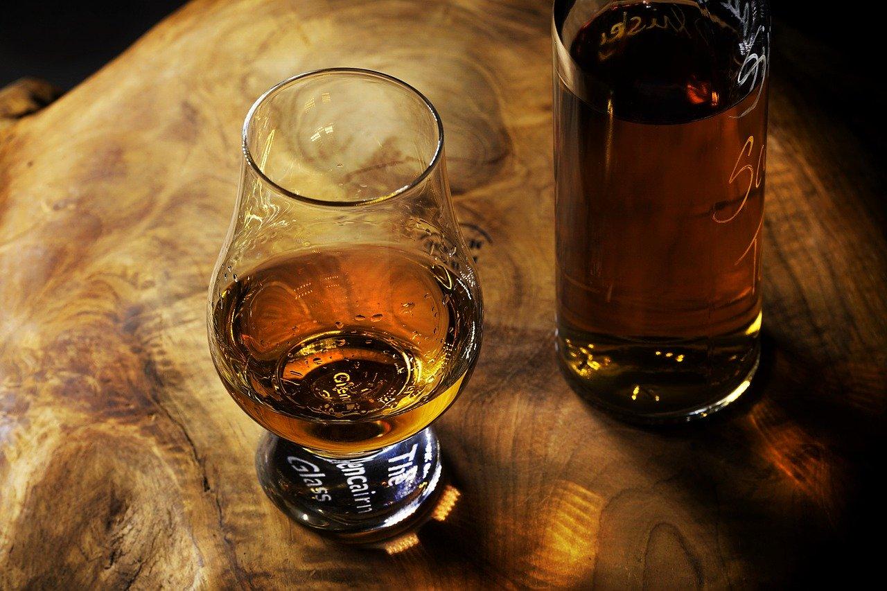Die sehr schmackhafte Vanille-Rum-Kirschmarmelade